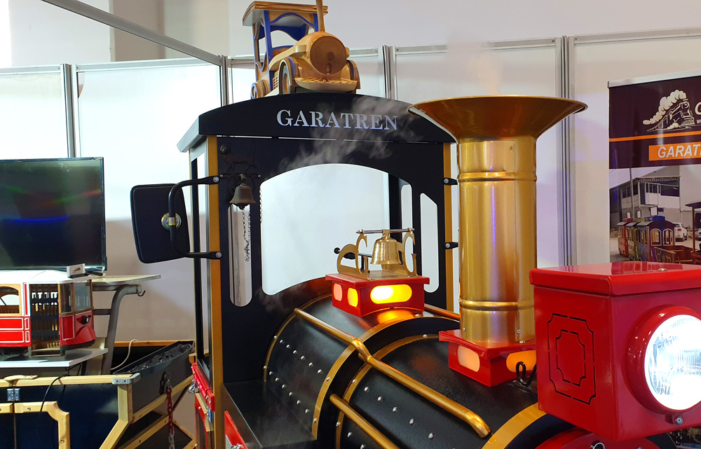 Our Company Participated In The Fair electric trackless train