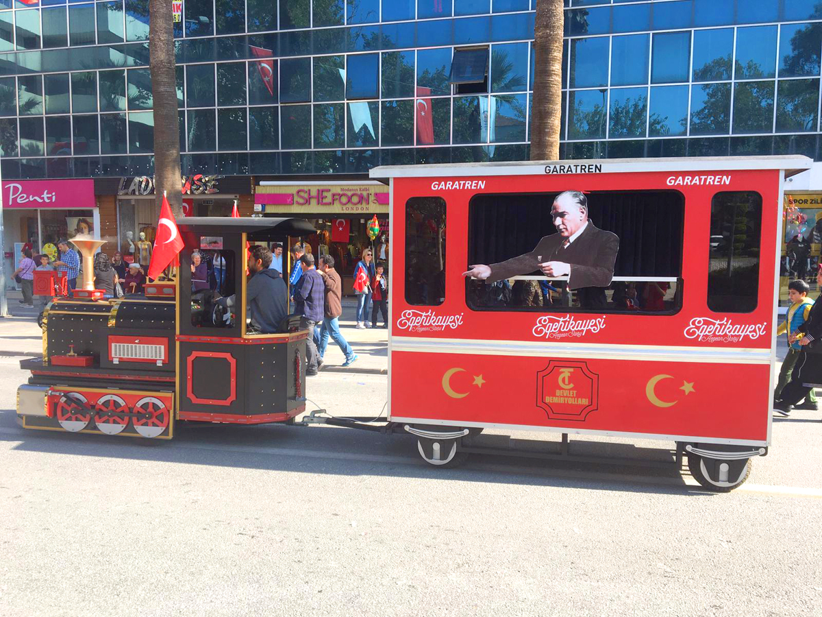 electric mall train [object object] 29 October Republic Day of Turkey Celebrations electric mall train